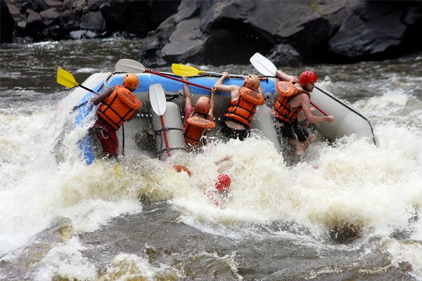 medidas-de-seguridad-en-el-rafting.